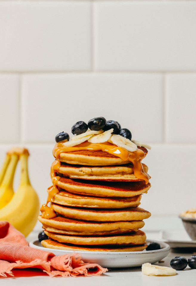 FLUFFY-Blender-Banana-Pancakes-1-blender-30-minute