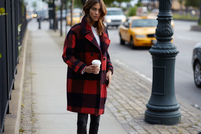 alexa-chung-hilfiger-plaid-jacket-fw14-collection-