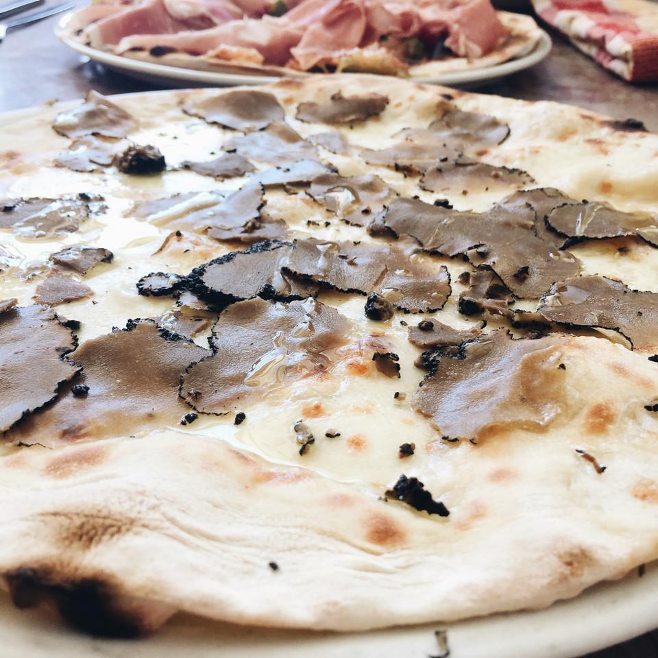 pizza-trufas-casanova.jpg