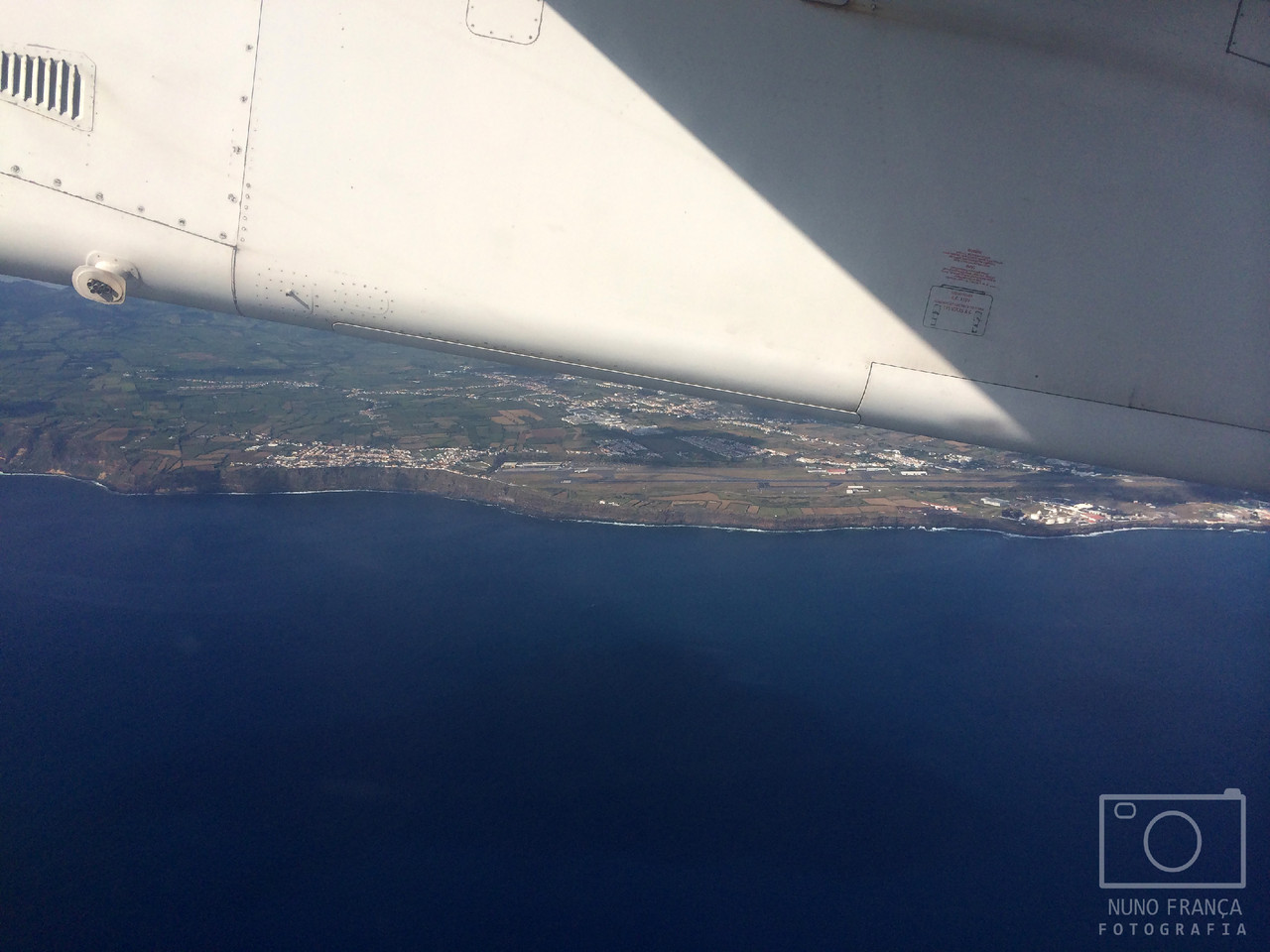 Aproximação à ilha do Pico (São Jorge vista do avião)