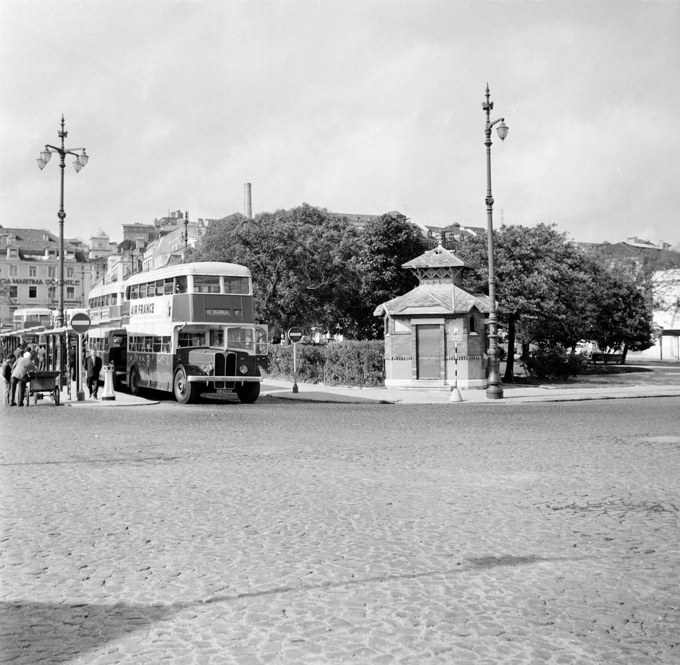 Jardim Roque Gameiro, quiosque sudoeste, 1964, fot