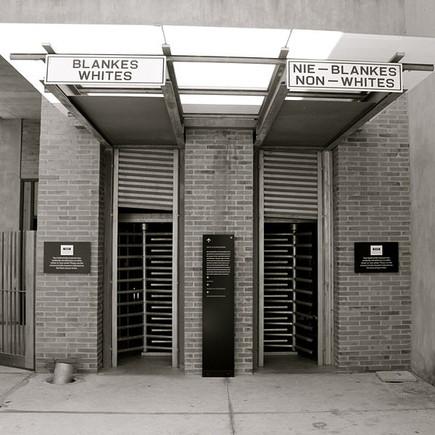 Apartheid_Museum_Entrance,_Johannesburg.JPG