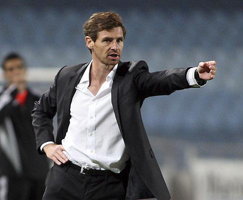 O novo treinador do F.C.Porto é apresentado amanhã, às 13 horas...