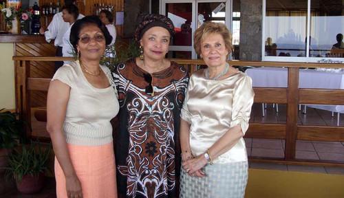 Celina Pereira com as primeiras-damas de Cabo Verde e Portugal